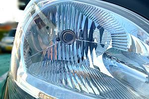 水溶性塗料採用。 エコパーツ。宮沢自動車塗装は、環境保全に努めた自動車修理をします。